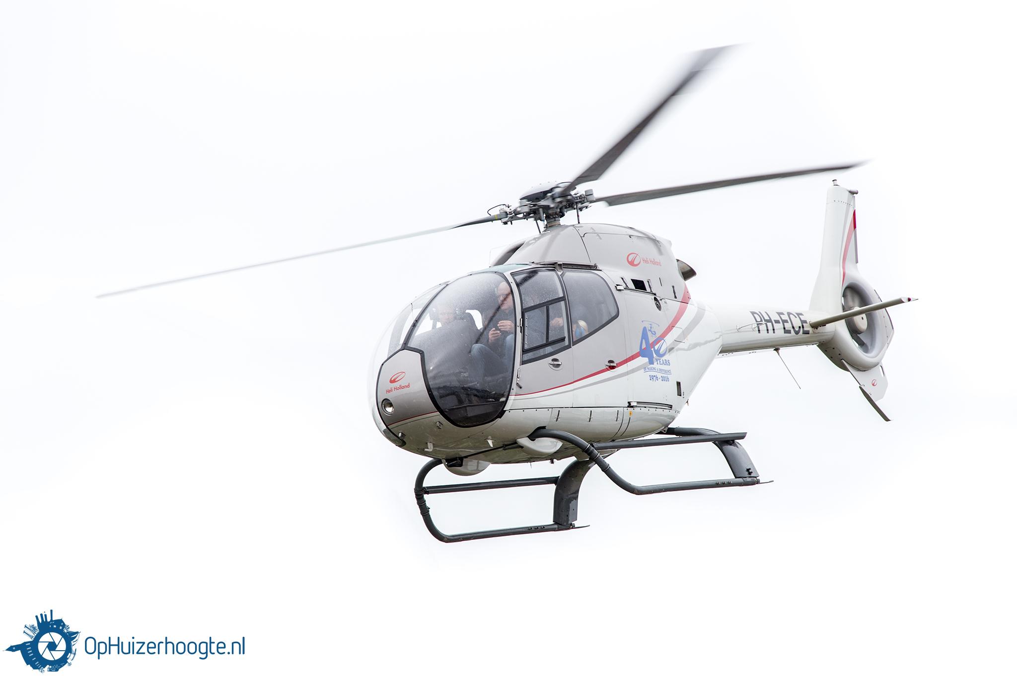 Helikopter Vliegen In Huizen Ophuizerhoogtenl