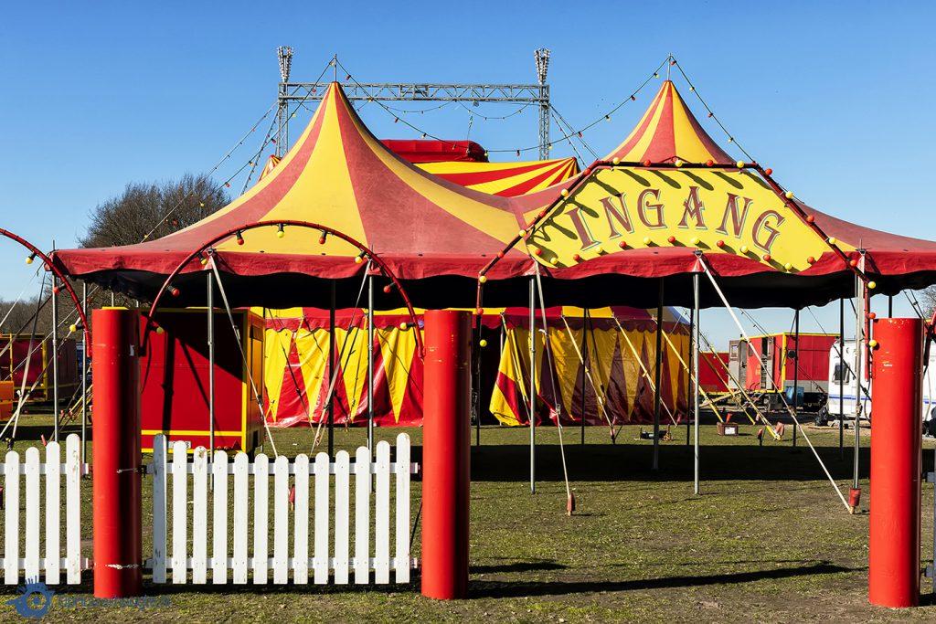 Huizen Circus Barani