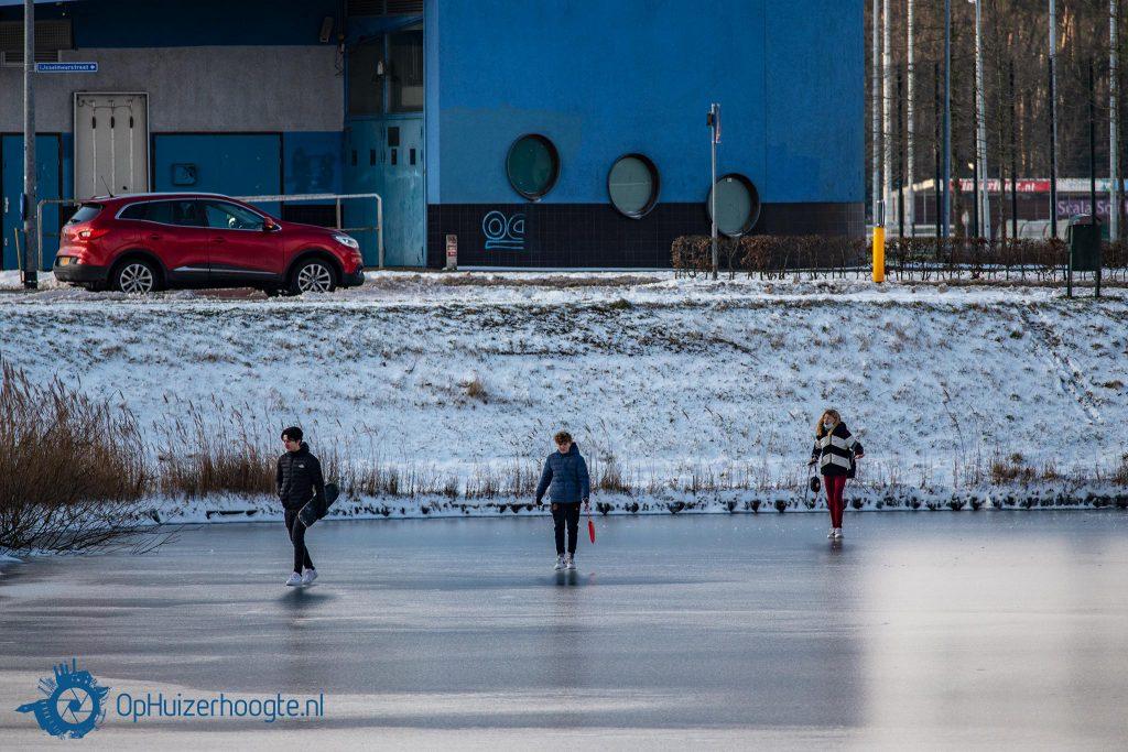 Eerste stappen ijs IJsbaankade